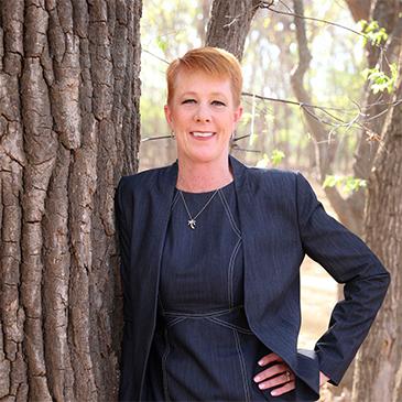 Author picture, Jennifer Kraszewski